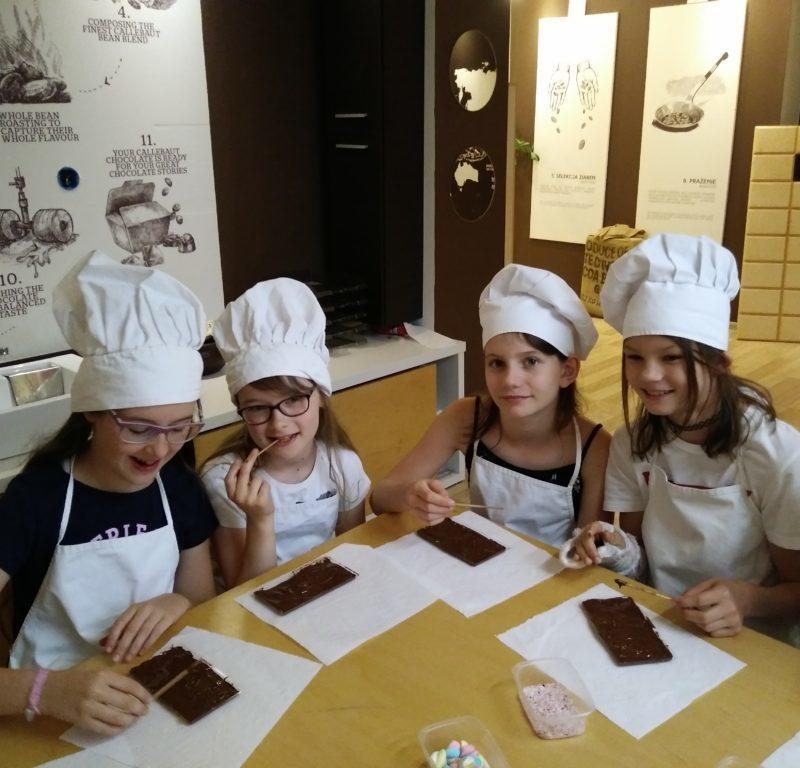 Uczniowie klasy 4b w Muzeum Czekolady